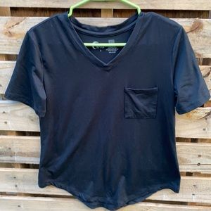 Zyia | Black V-neck Workout Short Sleeve Top size Small